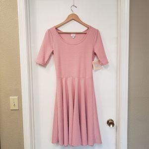💕LuLaRoe Nicole pink size M
